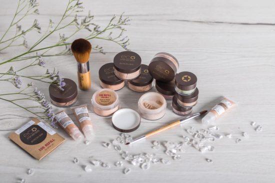 Eläinkokeettomat vegaaniset Ecominerals meikit